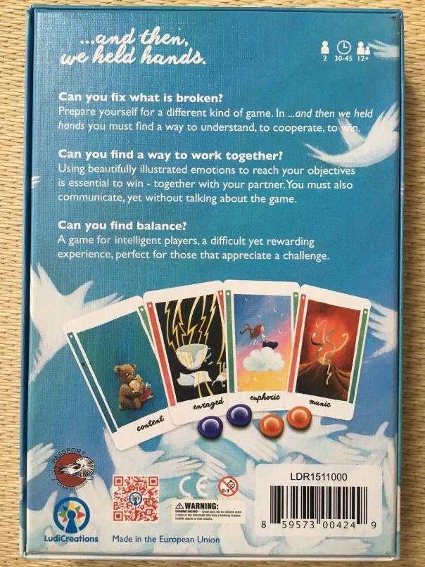 背面介绍了下游戏的背景。